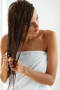 Une coloration naturelle et rapide et un soin pour vos cheveux